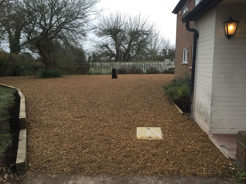 Gravel drive in Chinnor