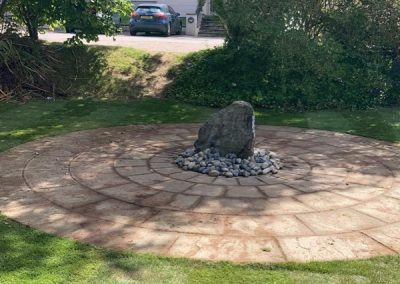 Patio With Water Feature – Oxford